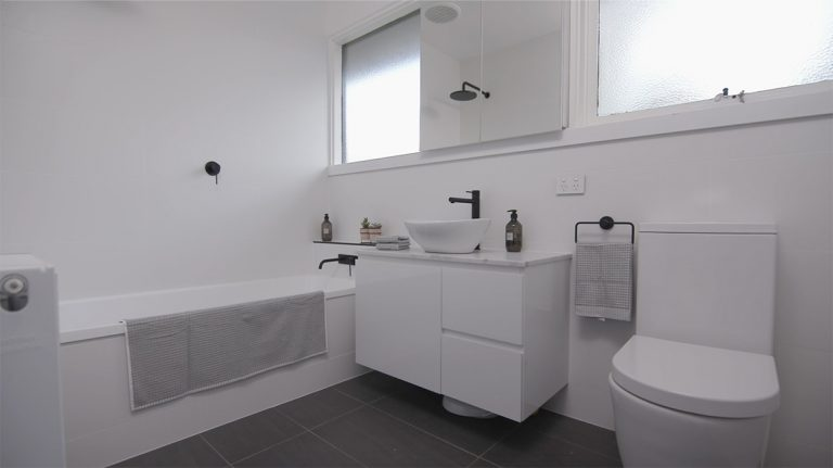 Contemporary Bathroom in grey and fresh white